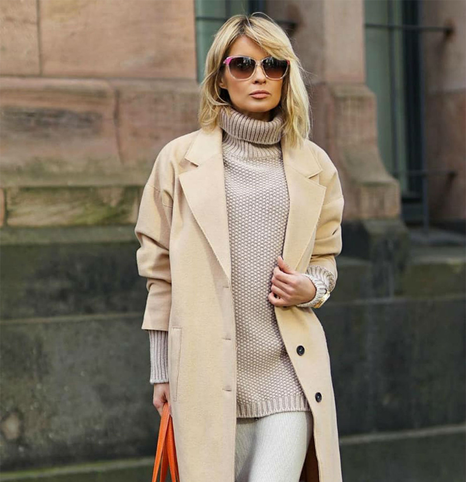 Coat, sweater and a bag of orange color