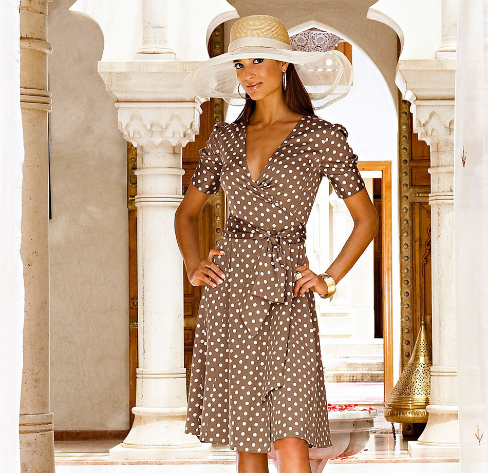 Wraparound dress with polka dots